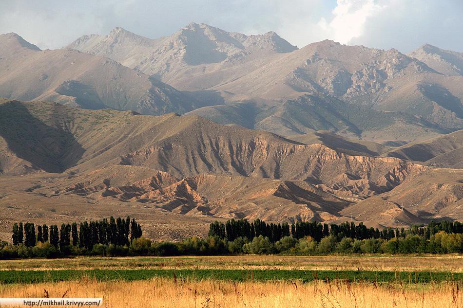 Центральный Тянь-Шань. Вид от озера Иссык-Куль.