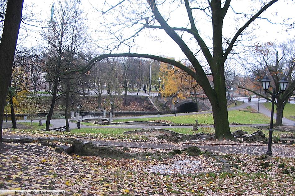 Рига. Городской канал. Вид с Бастионной горки.