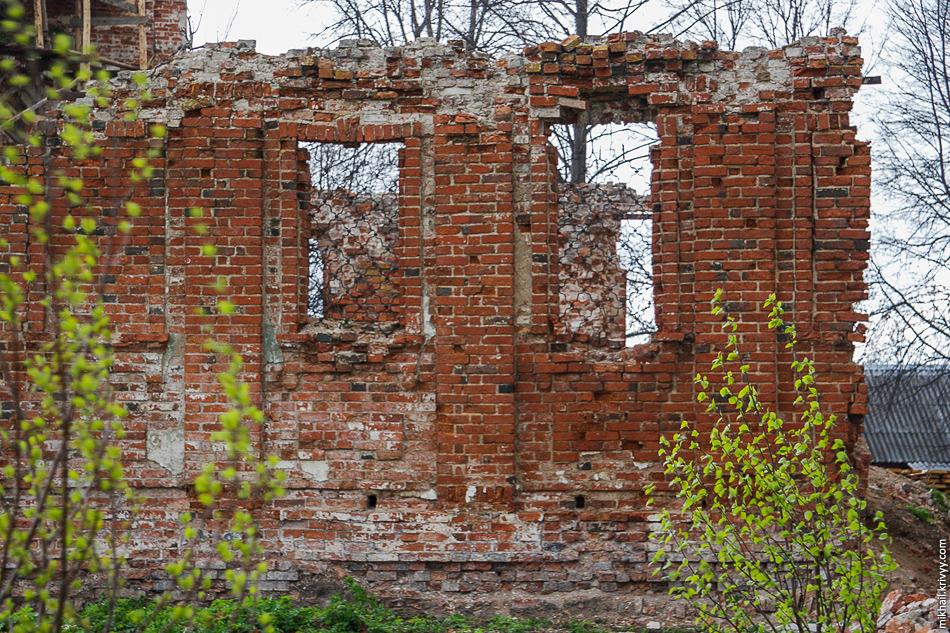 Михайло-Клопский монастырь до перестройки. Восстановлением язык не поворачивается это назвать.