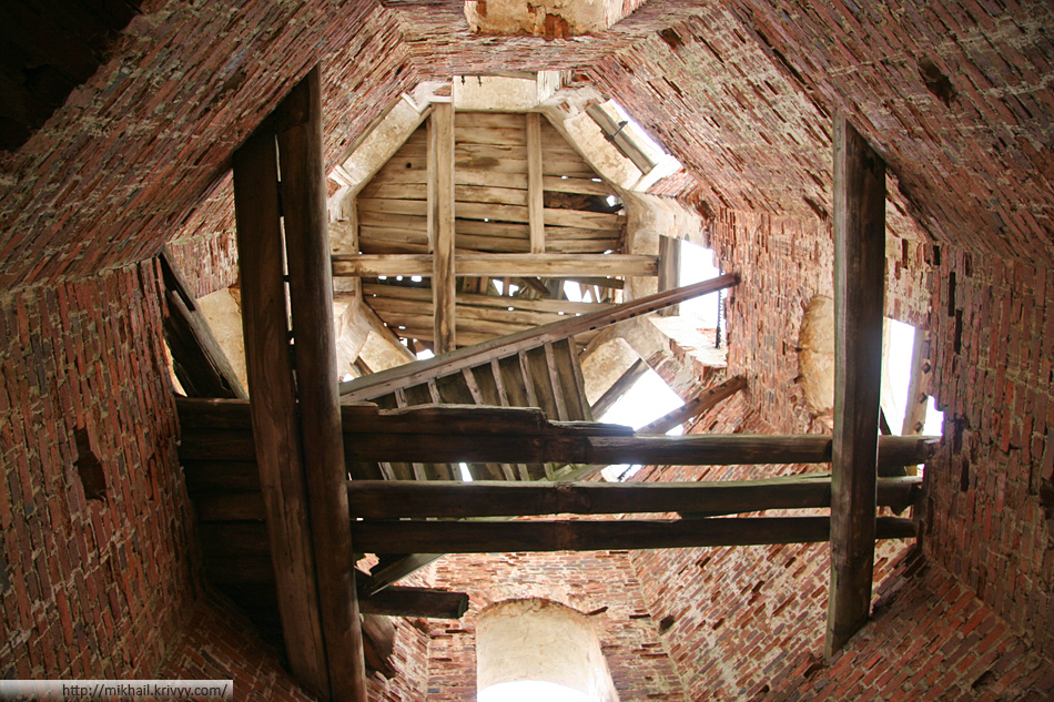 Колокольня Бурегского Преображенского монастыря