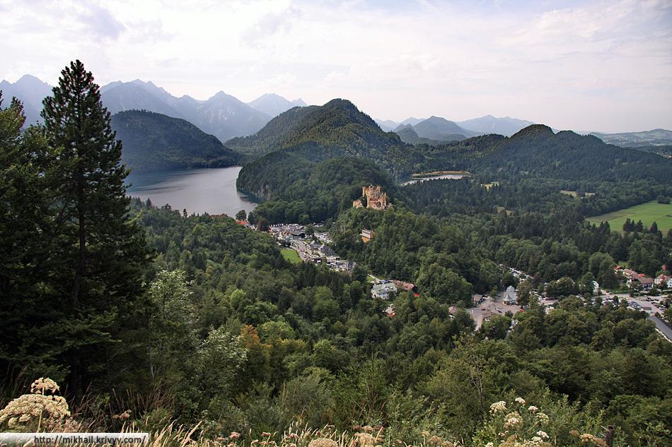 Вида на Австрийские альпы с из германского замка
