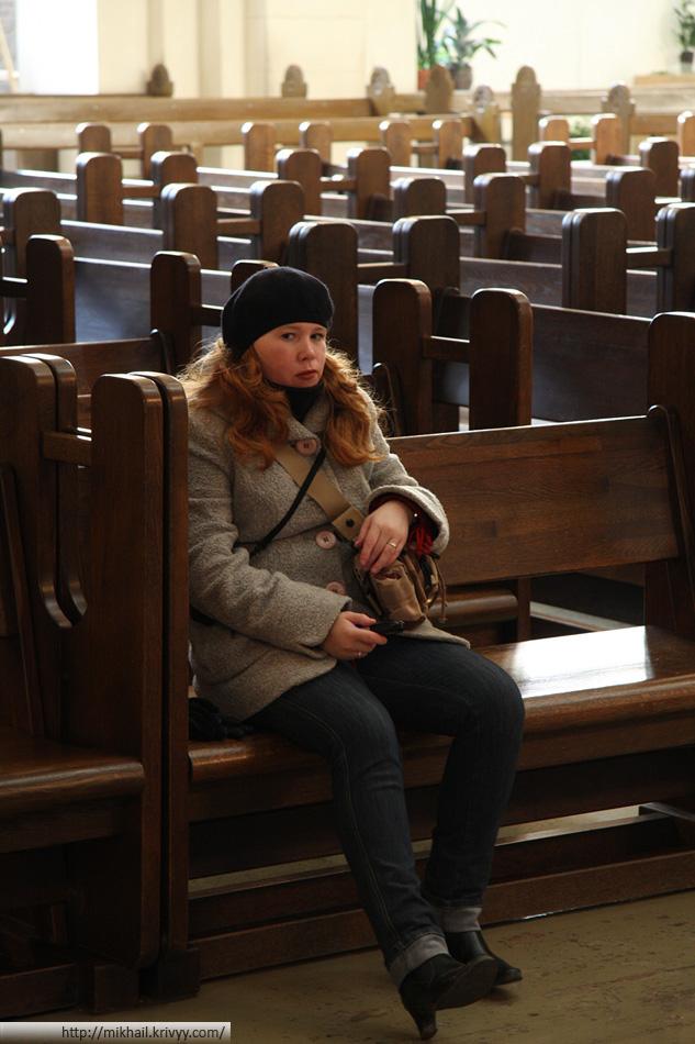Так как собор используется и в качестве концертного зала, то все месте пронумерованы.
