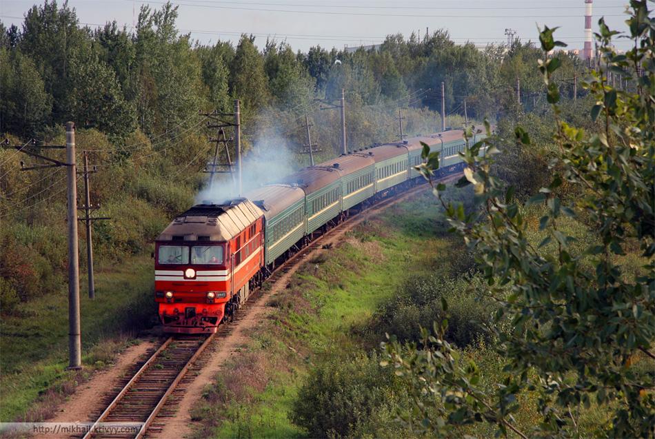 ТЭП70-0132 с поездом Новгород - Новолисино