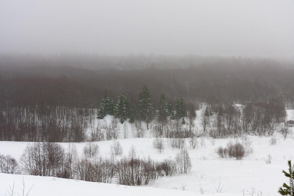 С погодой повезло. Мелкая морозь превращающаяся в туман создавала просто отличные пейзажи.