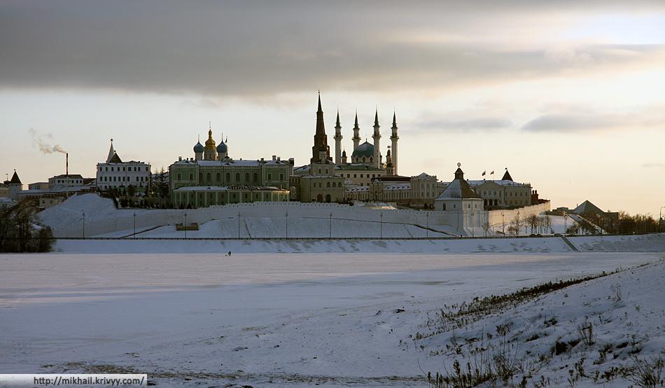 Казанский кремль. Вид от реки Казанки.
