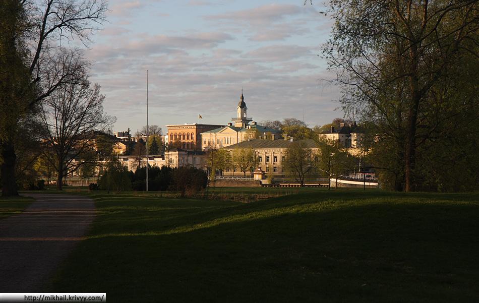 Набережная Пори. Вид из парка Кирьюринлуото (Kirjurinluoto) (центральный городской парк)
