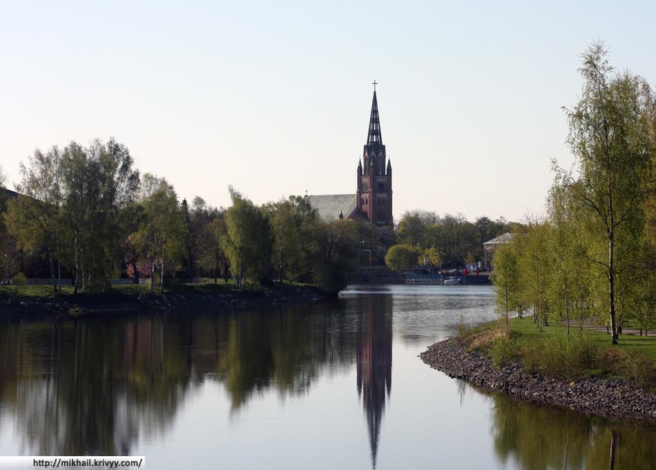 Лютеранская церковь г.Пори возведена в неоготическом стиле в 1863 году и имеет высоту 72м.