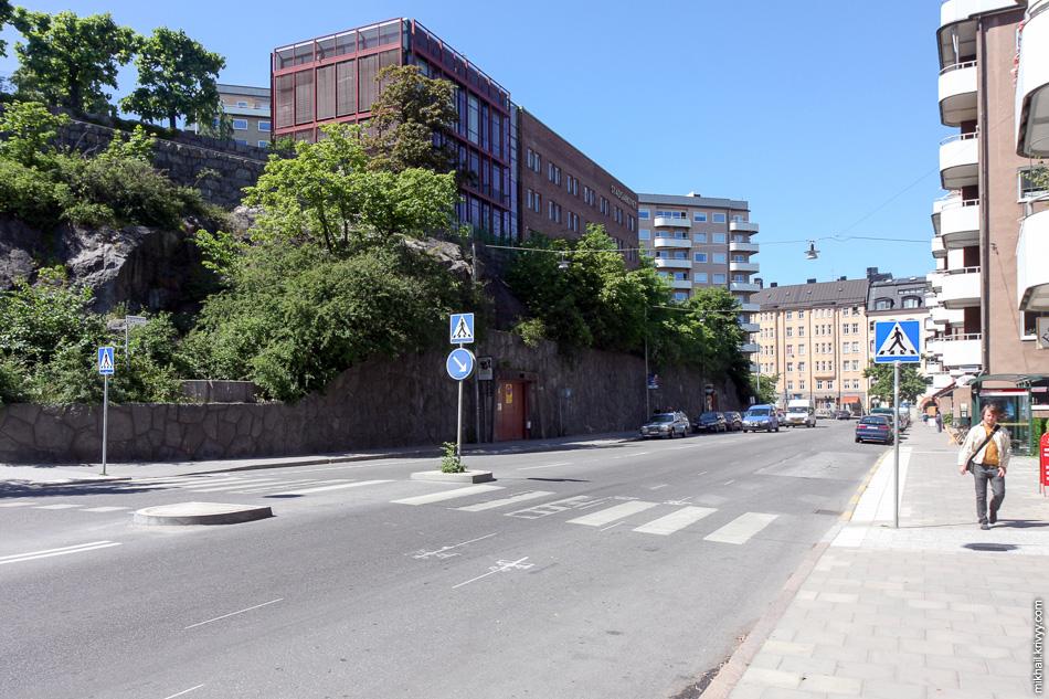 По дороге от вокзала к станции метро Radhuset. Улица Kungsholmsgatan.