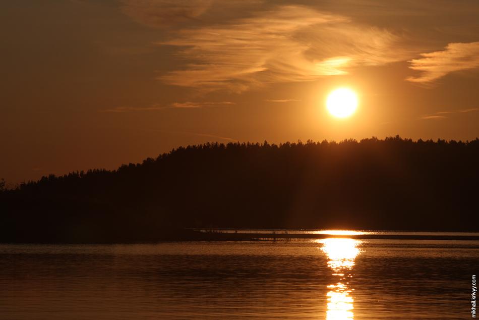 Закат на озере Клетно.