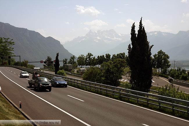 Альпы на фоне 9 магистрали.