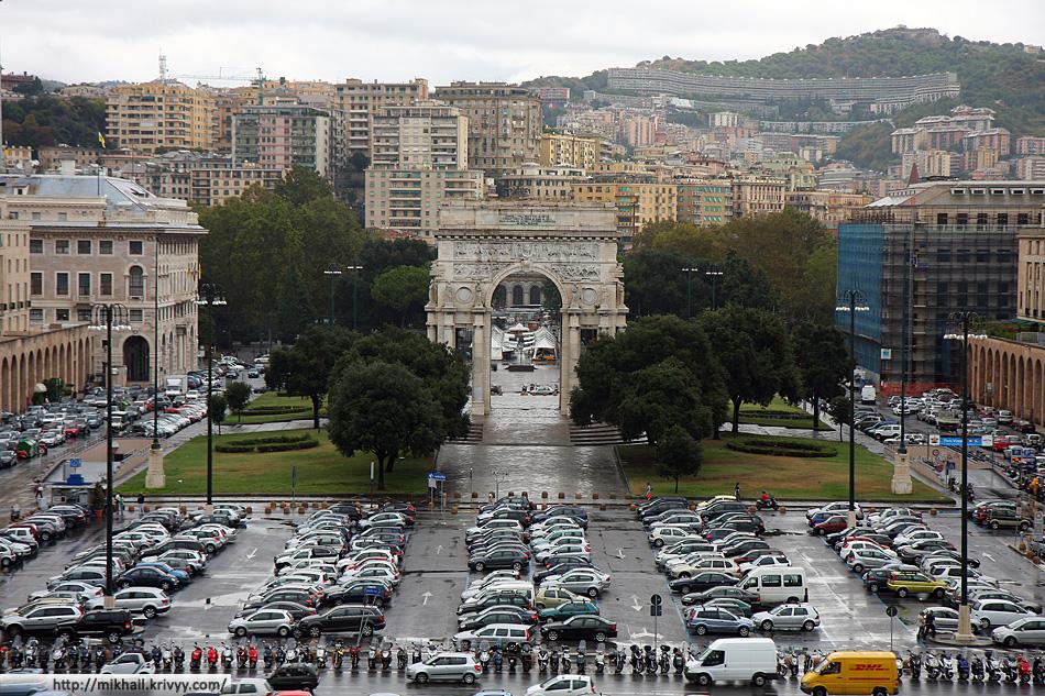 Вид в сторону вокзала Генуя Бриньёли (Genova Brignole)