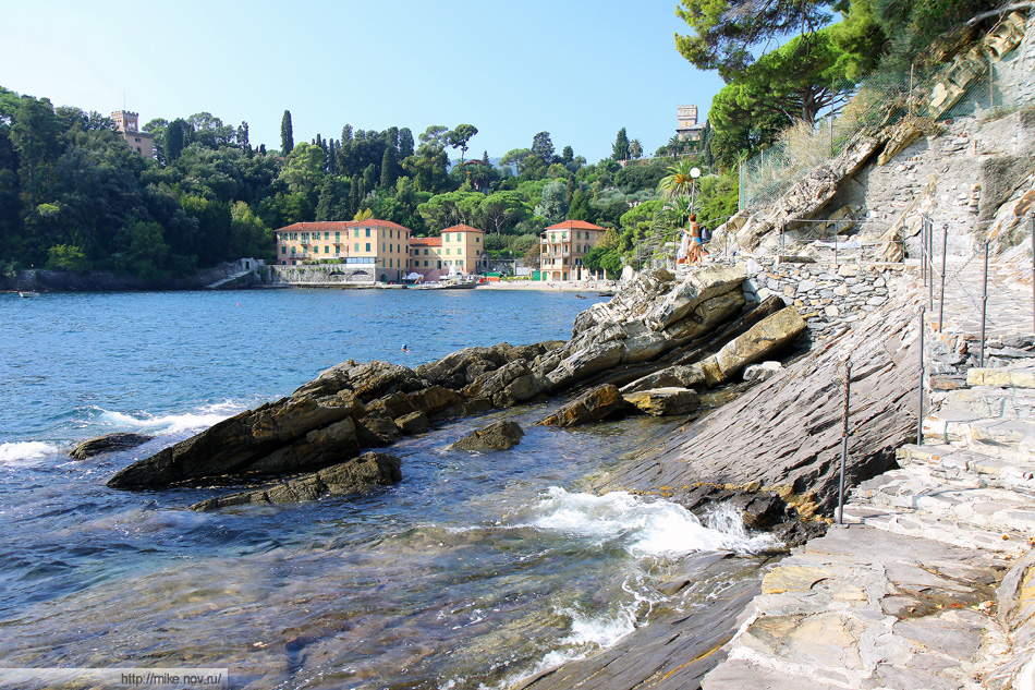 Залив Prelo. Сан Микеле (San Michele), Рапалло (Rapallo). В обратную сторону от предыдущей фотографии.