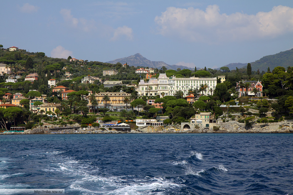 Берега Санты Маргариты (Santa Margherita Ligure). Больше других выделяется гостиница Ипериал (Imperial). Именно в этой гостинице был заключен Рапалльский договор (1922)