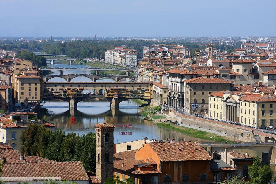 Мосты Флоренции. На переднем плане - Понте Веккьо, второй - Понте Санта-Тринита
