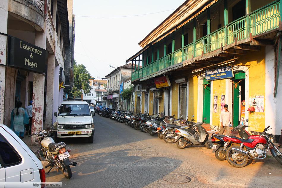 Улицы Панаджи -  столицы Гоа. Ловить там вообще нечего.
