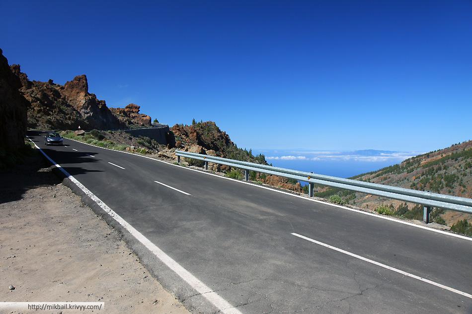 1150 м. - перевал в кальдеру вулкана. Сама кальдера находится на высоте 1000-1200 м.