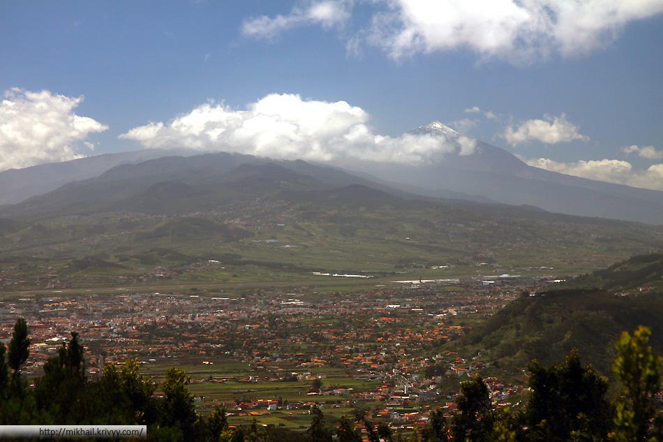 Ла Лагуна (La Laguna), пик Тейде. Вид со смотровой площадки в районе Las Mercedes