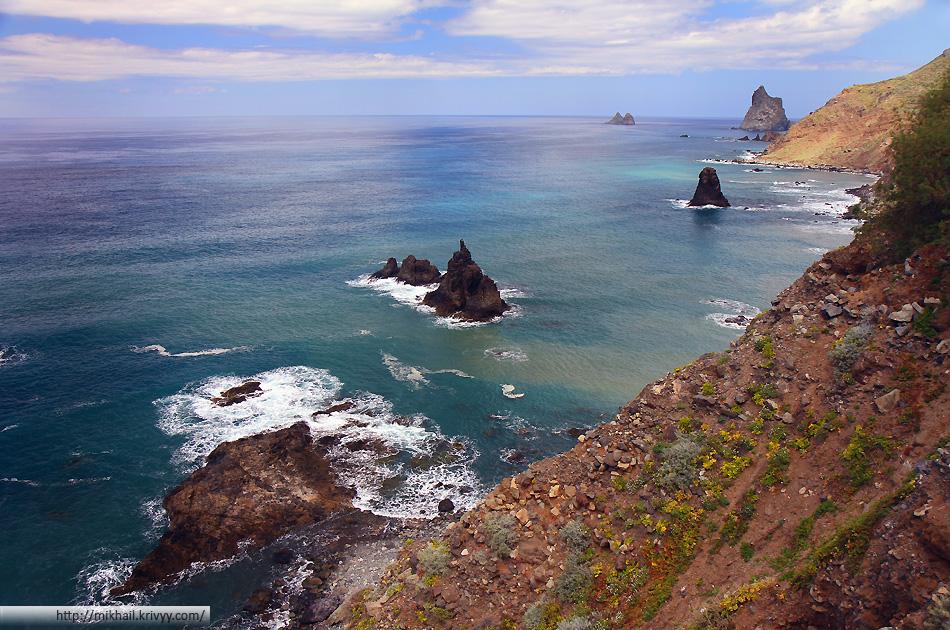Вид на Атлантические океан в районе деревни Таганана (Taganana). Север острова Тенерифе (Tenerife)