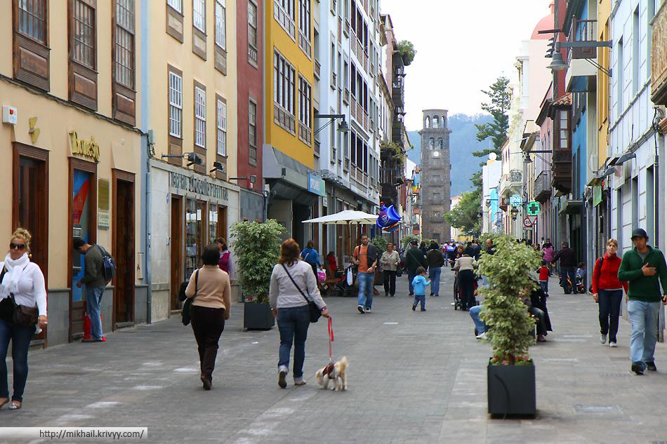 Улицы San Cristobal De La Laguna, Тенерифе, Испания.