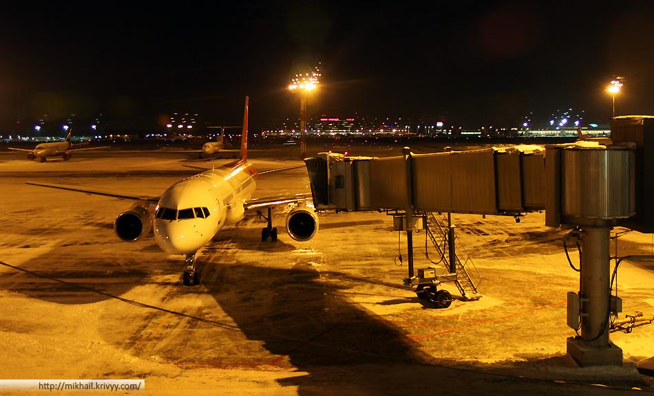 Злосчастный Боинг-737 в аэропорту Шереметьево.