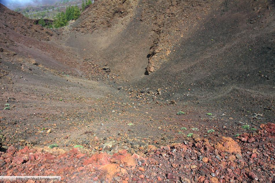 А вот собственно и кратер вулкана Самара (Samara)