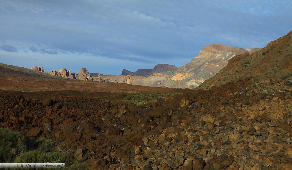 Кальдера вулкана Тейде на закате.