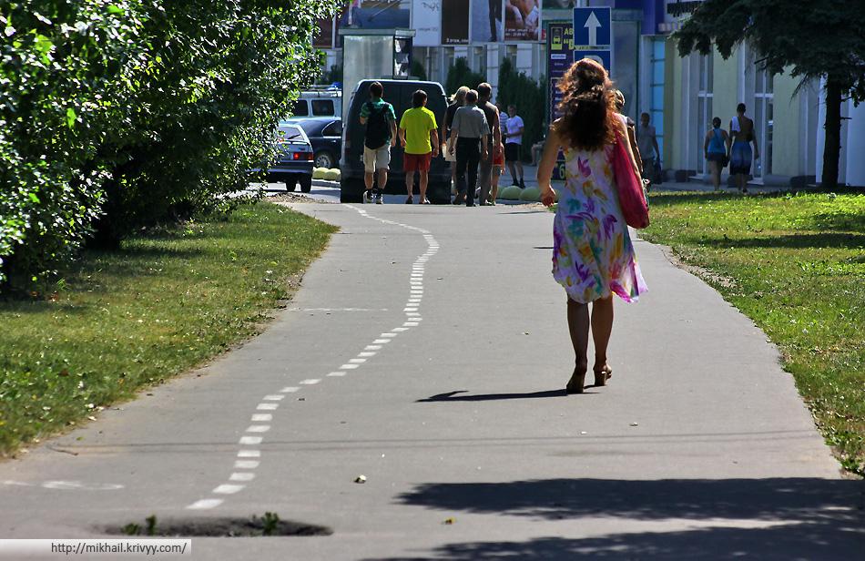 """Вот такая """"велоразметка"""" появилась от Руси до НовГУ."""