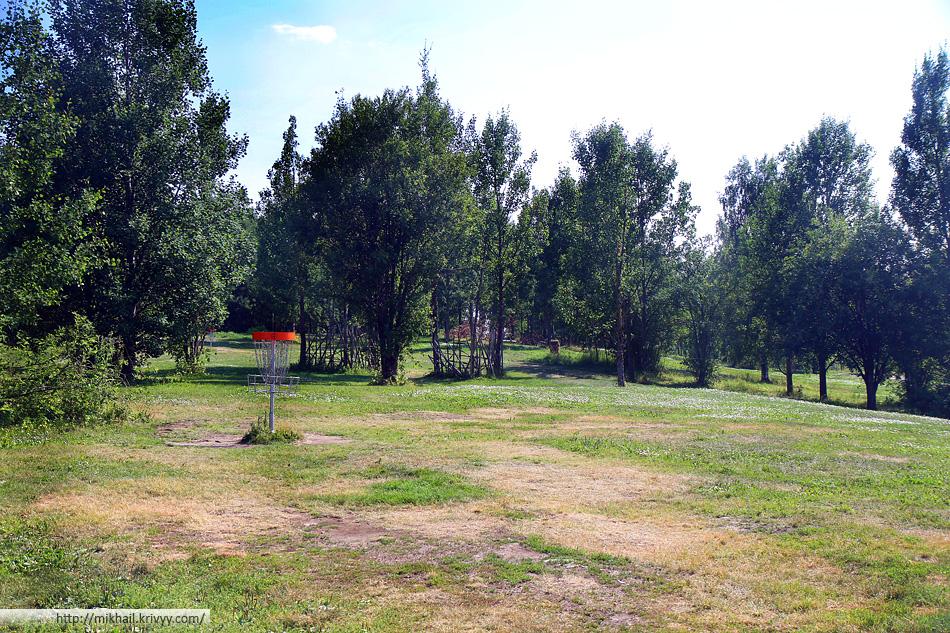 Диск-гольф парк Tali. Там проходил четвертый этап Чемпионата России 2010