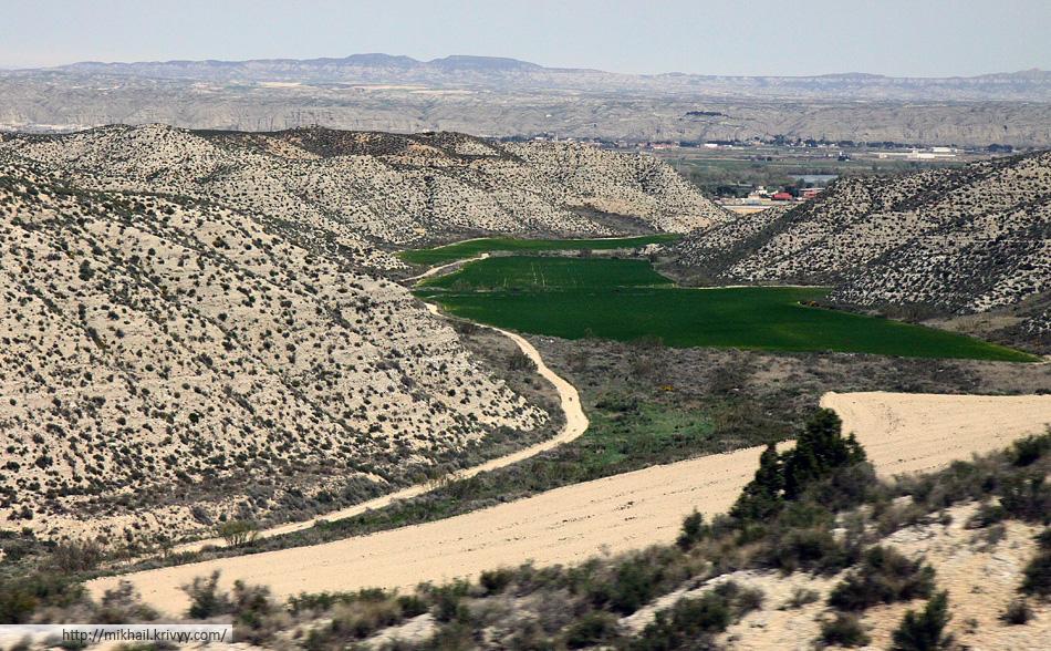 Пригороды Сарагосы. Около 300 км от Барселоны.