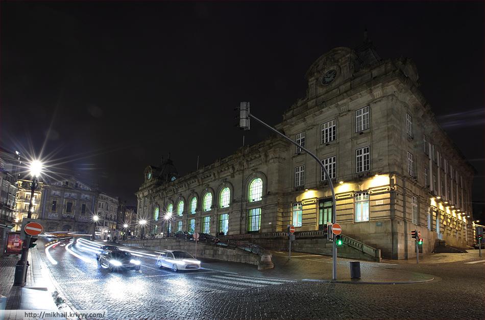 """Вокзал Сао Бенто. Этот """"оперный театр"""" - первое что мы увидели в Порту."""