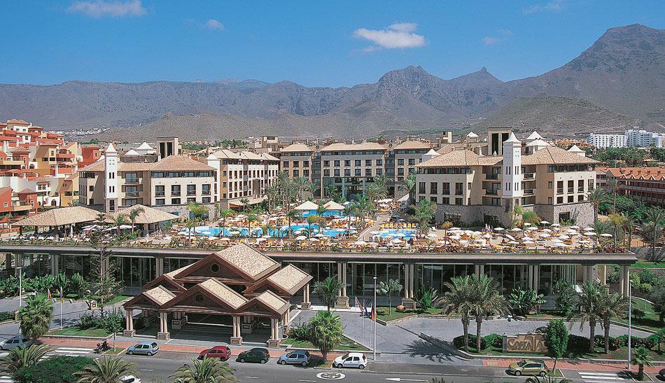 Costa Adeje Grand Hotel. Источник: http://www.panoramio.com/photo/545752