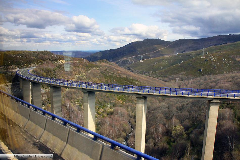 Виадуки в горах Португалии.