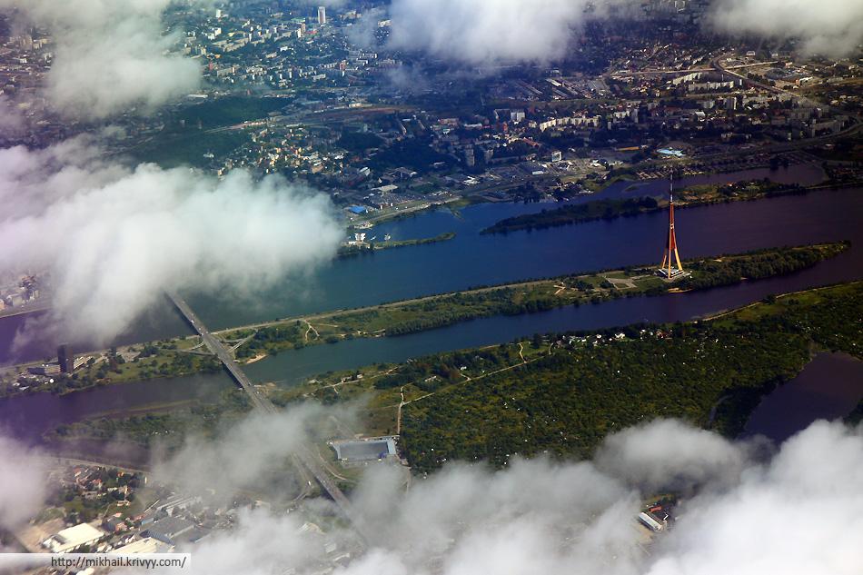 Рига. Московский мост и телебашня.