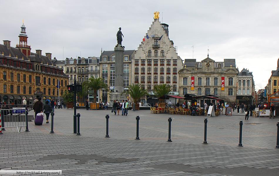 Площадь Генерала Де Голя. Театр Норт (Théâtre du Nord)