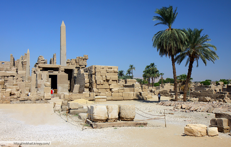 Карнак - Великий храма Амона. Очень жарко.