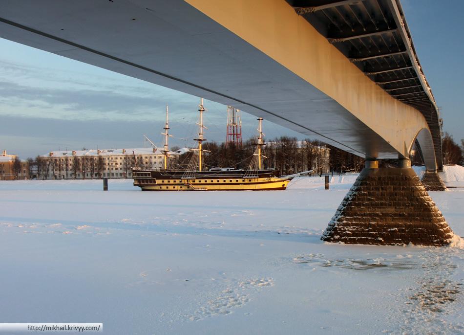 Великий Новгород. Пешеходный мост.