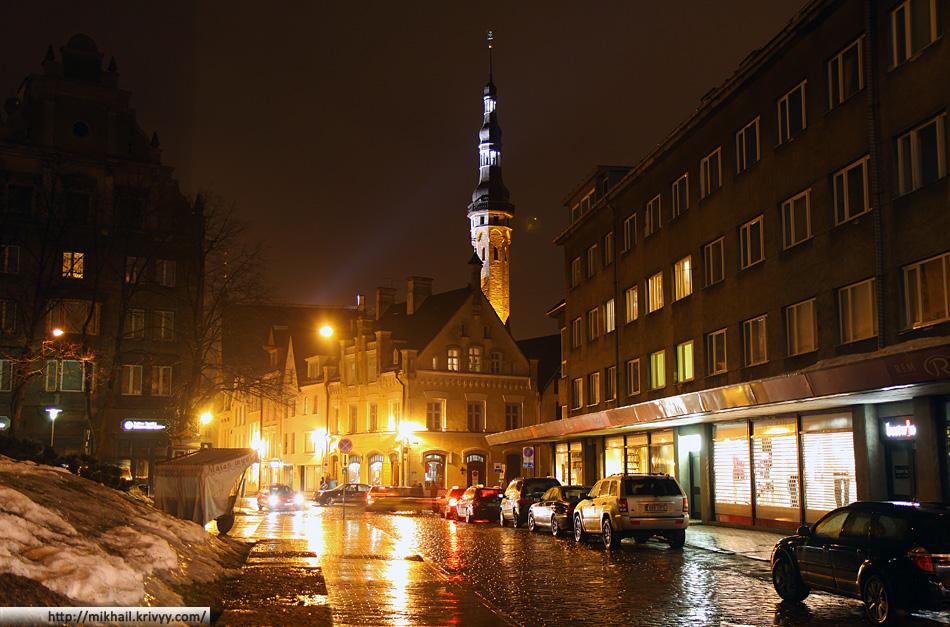 Старый Таллин вечером. Ратуша.