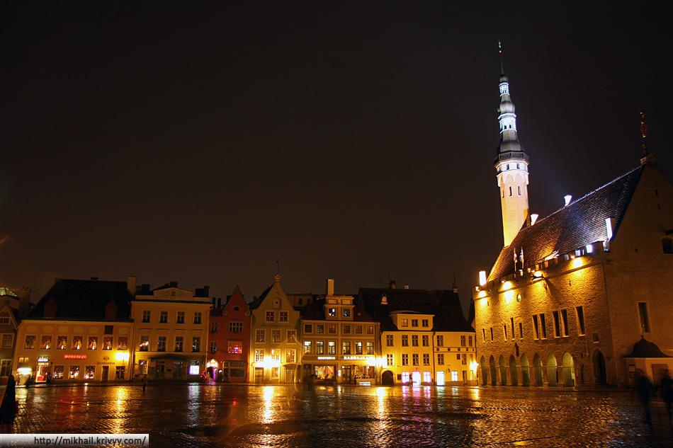Старый Таллин. Ратушная площадь.