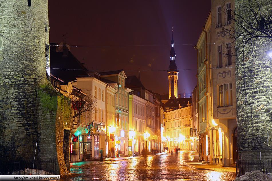 Главный вход в старый Таллин - улица Viru.