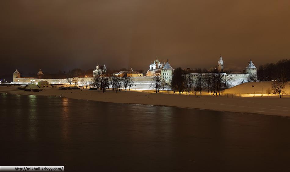 Новгородский Кремль. Вид со стороны реки Волхов.