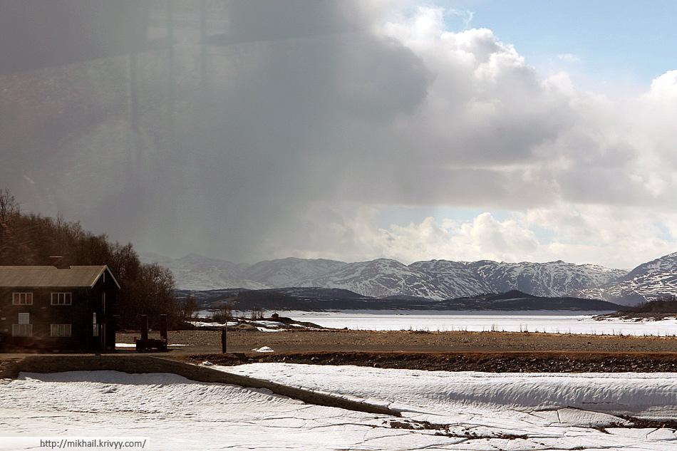 Плато Хардангервидда (Hardangervidda). В этих местах погода меняется быстро.