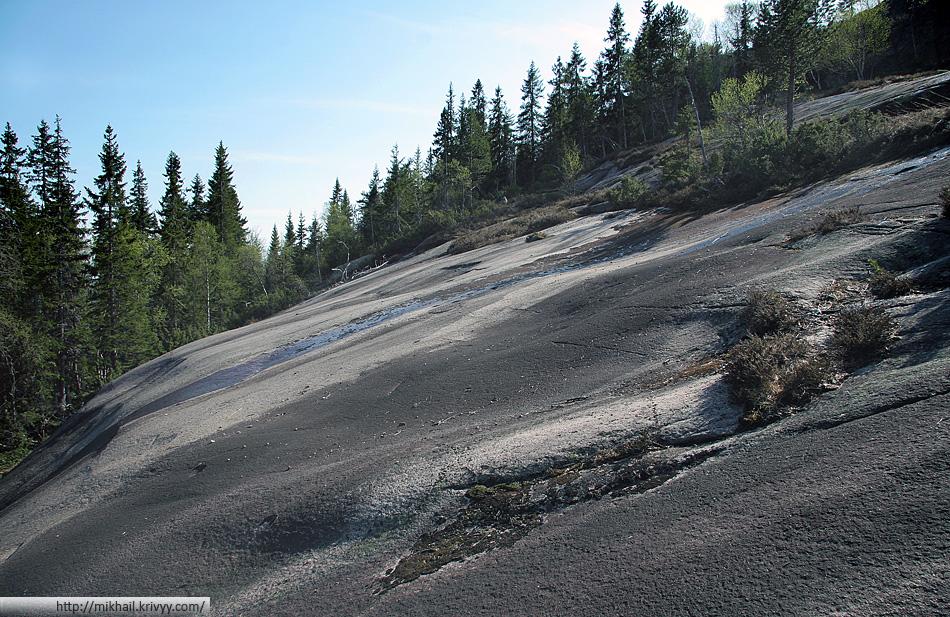 Грантиные склоны горы Шинан (Skinan).