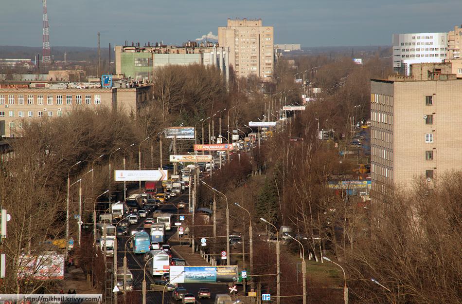 Ул. Большая Санкт-Петербургская. От ул. Черепичной до горизонта. Видны мельницы в Подберезье.