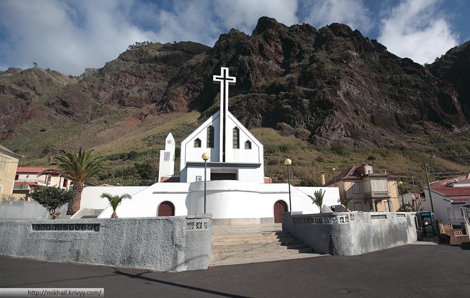 Церковь в Паол Ду Мар (Paul Do Mar), Мадейра, Португалия