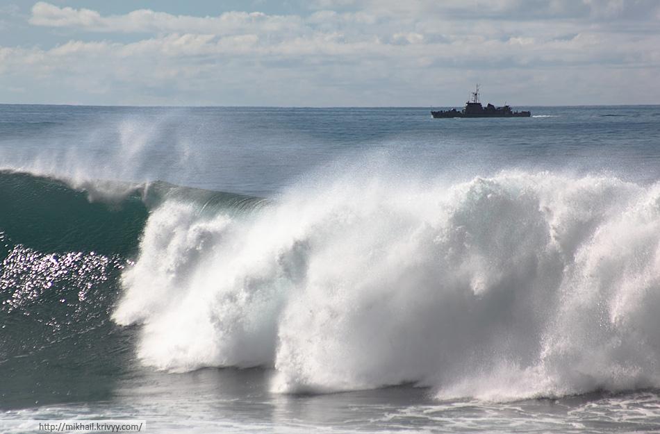 Волны. Атлантические океан. Мадейра.
