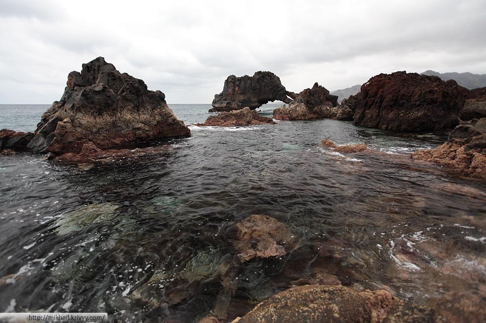 Вулканические образования на мысе Сан Лоренцо, Мадейра.