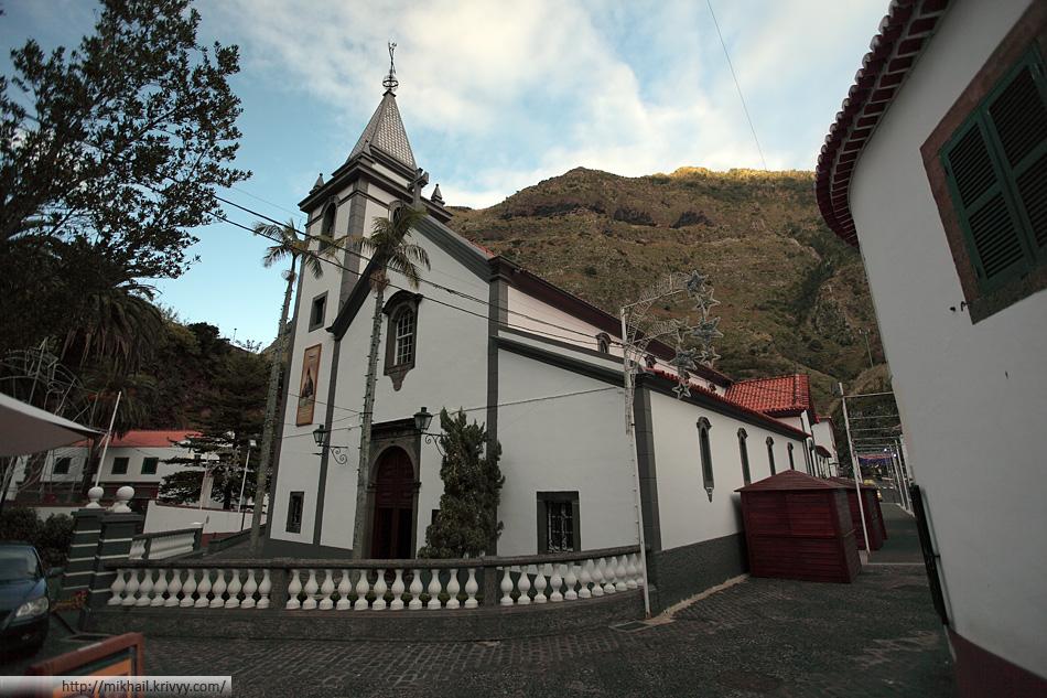 Помимо музея мы посетили центр Сан Висенте. В местной церкви нам удалось побывать на репетиции празднования рождества.