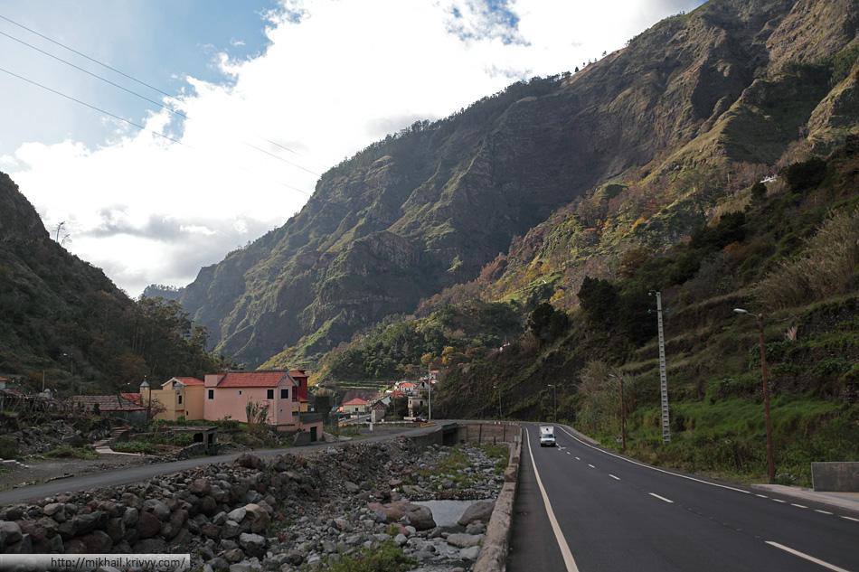 После того как мы проехали под перевалом Энкумеады, погода стала совсем другой.