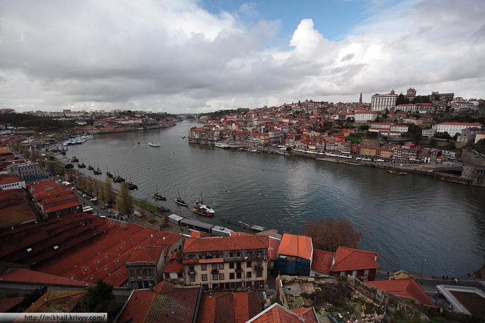 Река Дору. На правом берегу - Порту, на левом - Вила-Нова-ди-Гая.