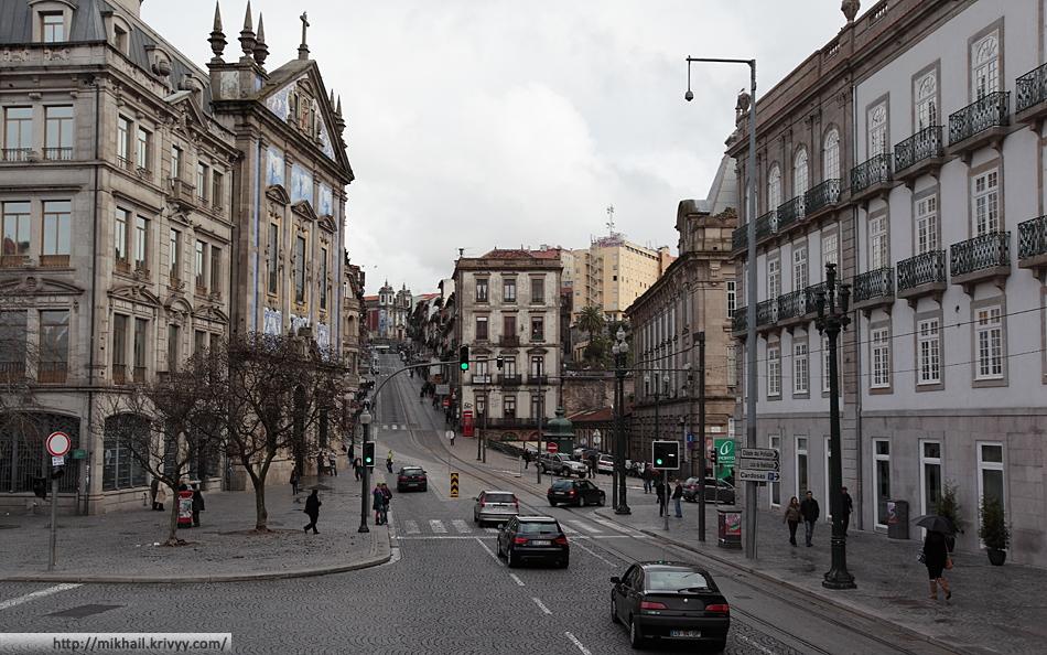 Площадь Свободы (Praça da Liberdade). Вид по улице 31 Января (31 De Janeiro).